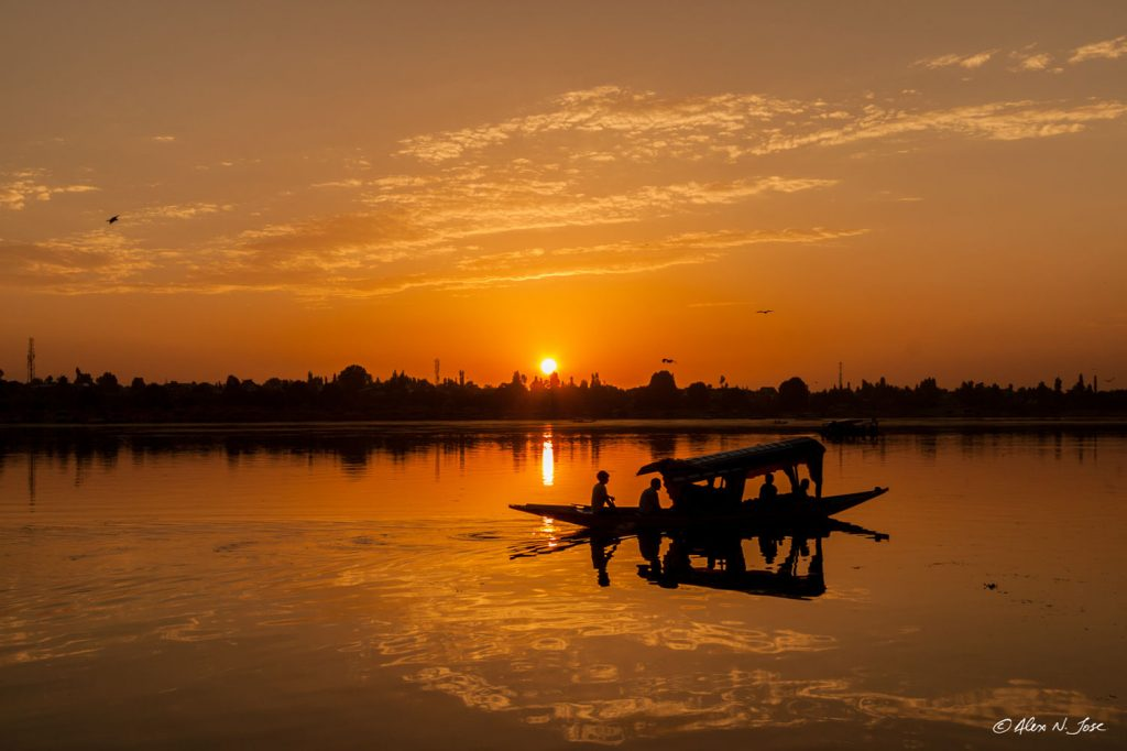 Zigya.com: Enchanting Jammu and Kashmir