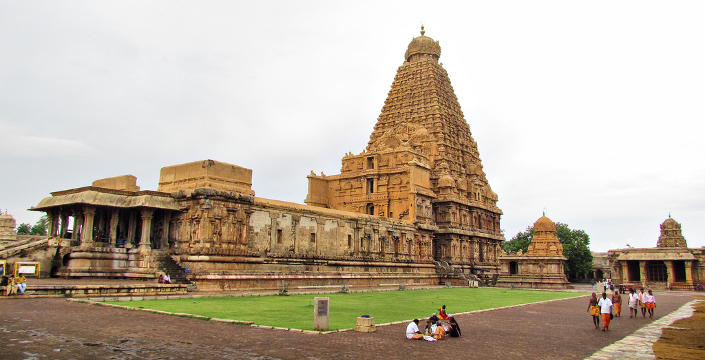 Brihadeshwara - Temple of Tamil in Thanjavur, India